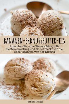 Eis ohne Eismaschine? Das gibt es schnell und einfach bei uns. Unser Rezept für das Bananen-Erdnussbutter-Eis ist im Handumdrehen gezaubert und schmeckt wie die Schokobanane von der Kirmes.