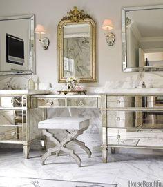 Gorgeous vanity.