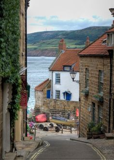 England Travel Inspiration - Robin Hood's Bay North Yorkshire, England North Yorkshire, Yorkshire England, Yorkshire Dales, Cornwall England, Robin Hoods Bay, Places In England, British Countryside, British Seaside, English Village