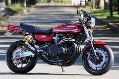 Kawasaki transformation by AC Sanctuary - Moto Rivista Kawasaki Motorcycles, Cool Motorcycles, Vintage Motorcycles, Bobber, Street Fighter Motorcycle, V Max, Retro Bike, Japanese Motorcycle, Transporter