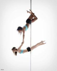 How to get the perfect doubles/group pole photo. #BadKittyBlog Polebook  http://www.badkitty.com/news/tips-for-safe-and-successful-doubles-group-pole-photos/
