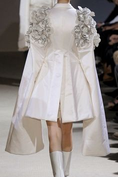 Exaggerated Silhouette - tailored white jacket with extended sleeves & fabric flower textures; 3D fashion details // Comme des Garcons