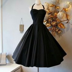 The ultimate little black dress! black taffeta with full circle skirt and halter neck. Simple yet spellbinding! At Xtabay - Vintage clothing store in Portland, Oregon. Pretty Outfits, Pretty Dresses, Beautiful Outfits, Gorgeous Dress, Beautiful Black Dresses, Retro Mode, Short Dresses, Formal Dresses, Vintage Outfits