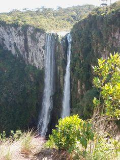 Cascata no Canyon Itaimbezinho/Cambará do Sul/RS