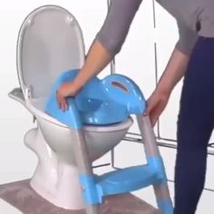 , OFF Potty Toilet Seat with Step Stool Ladder for All Stages Kids Ages , It's very easy to assemble kids potty training seat with ladder. That may be a fun activity for you and your children to install it together. Toilet Training Seat, Potty Training Seats, Toddler Potty Training, Potty Training Video, Potty Trainer, Baby Lernen, Baby Life Hacks, Kids Potty, Potty Chairs For Toddlers