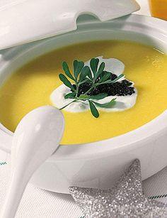 Recetas para adelgazar: Crema de verduras y yogurt (175 Calorías). http://www.recetasparaadelgazar.com/2014/08/crema-de-verduras-y-yogurt-175-calorias/