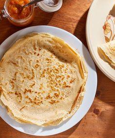 A tökéletes palacsintatészta receptje | Street Kitchen Poutine, Food Truck, Hummus, Quiche, Chips, Ethnic Recipes, Potato Chip, Food Carts, Quiches