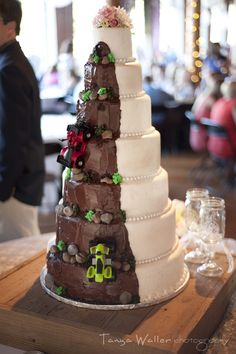 Hidden grooms cake Two sided wedding cake www.tanyawaller.com