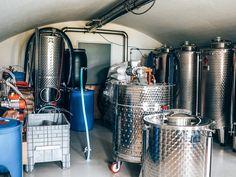 Op bezoek bij Tolmann's Distillery Tonic Water, Distillery, Gin, Home Appliances, House Appliances, Appliances, Jeans, Jin