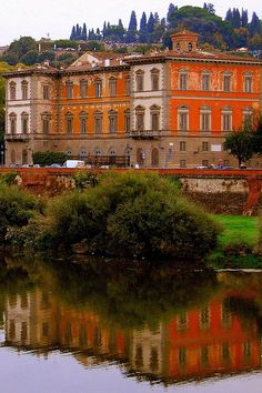 Southern side of the Arno River in Florence, Italy