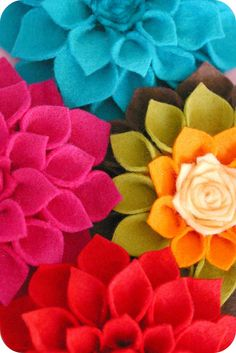 havn't felt so giddy happy for a bit.little things pleas. Tape Crafts, Felt Crafts, Sewing Crafts, Diy And Crafts, Felt Flowers, Diy Flowers, Fabric Flowers, Coco Rose Diaries, Girl Themes