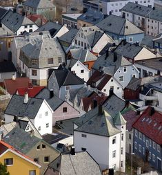 Best of Norway - Places to Visit and Things. From wildlife watching to dog-sledding, from Oslo to Svalbard, here are the essential things to see and do. Norway Places To Visit, Visit Norway, Places To Go, Lappland, Oslo, Wonderful Places, Beautiful Places, Norway House, Beautiful Norway