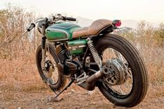 Yamaha RD350 Cafe Racer by 86 MOTORCYCLES #motorcycles #caferacer #motos | caferacerpasion.com