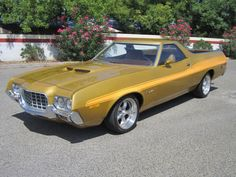 1972 Ford Ranchero .....Looks like a Torino.... Yeah, baby!