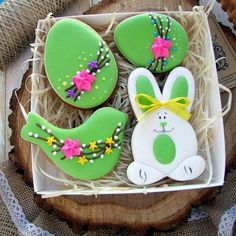 Cute Easter Sugar Cookies Decoration Ideas That Are Fun & Adorable - Ethinify Fancy Cookies, Iced Cookies, Cute Cookies, Holiday Cookies, Cupcake Cookies, Sugar Cookies, Easter Cupcakes, Easter Cookies, Cookie Frosting