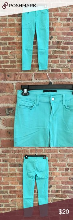 """J Brand Skinny Crop Turquoise Teal 27 J Brand cropped skinny jeans in 'verde' turquoise color. 5 pocket style, low rise, with button and zip fly closure. Excellent condition, no stains or holes.  Size 27. Approx. measurements: waist ~13.75 across, inseam ~27"""". J Brand Jeans Ankle & Cropped"""