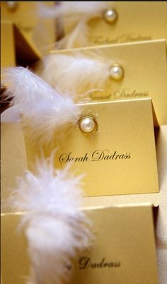 Wedding Themes Gatsby Place Cards Ideas For 2019 Great Gatsby Theme, Great Gatsby Wedding, 1920s Wedding, Our Wedding, Wedding Table, Sweet 16 Masquerade, Masquerade Theme, Masquerade Wedding Decorations, Masquerade Party Invitations