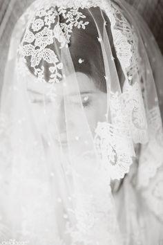 bridal portrait, black and white bridal portraits, lace veil #BridalVeil #OuterInner