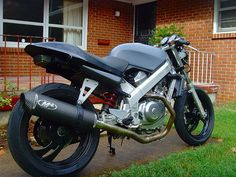 Honda Hawk NT650 : classic canyon carver with a cult following