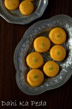 Indian Sweets, Indian Dessert Recipes, Indian Recipes, Sweet Desserts, Sweet Recipes, Fun Recipes, Indian Milk, Peda Recipe, Gujarati Recipes
