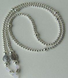 :) Beaded Jewelry Designs, Bead Jewellery, Jewelery, Handmade Jewelry, Beaded Shoes, Beaded Earrings, Gold Chains For Men, Eyeglass Holder, Bead Embroidery Jewelry