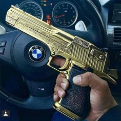 Read armas from the story Fotos by michell_yy (michelly moreira) with 267 reads. Revolver, Cz 75 9mm, Rifles, Mexican Drug Lord, Pocket Pistol, Best Concealed Carry, Desert Eagle, Shooting Guns, Custom Guns