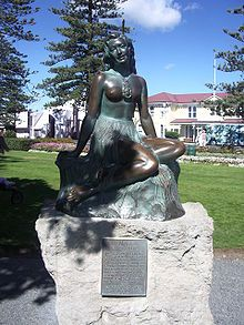 Napier New Zealand, Pania of the Reef - Modern Little Mermaid Statue, The Little Mermaid, Hastings New Zealand, Napier New Zealand, Weekend Events, Art Deco Buildings, Art Deco Fashion, Dream Vacations, East Coast