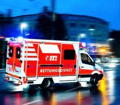 Ein Wagen vom Rettungsdienst