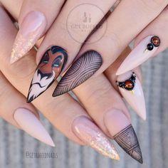 ⚡️Wear your Scars with Pride⚡️ #handpainted #scarnails #thelionking #disneynails @gfa_australia gel polish @glitter_heaven_australia glitter ⭐️ @uglyducklingnails acrylic/matte top Handmade amber gems