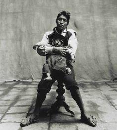 Father and Son, Cuzco 1948, Irving Penn