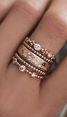 Bagues rose doré. Rose gold ring stack