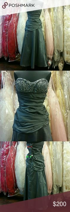 ☇FLASH SALE☇Beautiful Dark Grey Gown Beautiful dark grey taffeta gathered along the sides to create a slimming ruching effect across the top. Slight sweetheart neckline is sprinkled with beads, giving just the right amount of bling. Corset back helps shape to your body and the slightly stretchy material only benefits. Great for prom, homecoming, wedding, pageants, parties, or any formal event. Designer: Cindy Collection, size: 3XL, color: dark grey/charcoal. Dresses