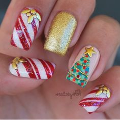 Newest Christmas Nail Ideas for Christmas Sweater Nail Art Designs Ideas; easy and cute Christmas nails; Christmas Tree Nail Art, Cute Christmas Nails, Christmas Nail Art Designs, Holiday Nail Art, Xmas Nails, Red Christmas, Christmas Manicure, Xmas Trees, Christmas Decorations