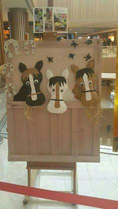 Etkinlik Horse Crafts Kids, Farm Animal Crafts, Farm Crafts, Animal Crafts For Kids, Barn Wood Crafts, Kids Crafts, Toddler Crafts, Farm Animals Preschool, Preschool Crafts
