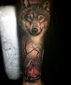 La imagen puede contener: 1 persona - All Animal PHOTOS Wolf Sleeve, Wolf Tattoo Sleeve, Sleeve Tattoos For Women, Tattoos For Women Small, Small Tattoos, Wolf Tattoo Design, Tattoo Design Drawings, Tattoo Sketches, Unique Tattoo Designs