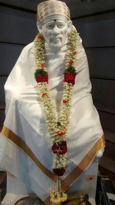 Glory to Sai श्री सच्चिदानंद सदगुरू श्री साईनाथ महाराज की जय Deepika.dk pin…