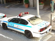 NYPD - apparently my love of men in uniform is international. Men In Uniform, Comic Book Artists, Police Cars, Ems, Eye Candy, Fire, Places, Humberto Ramos, Lugares