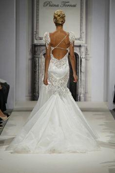Sheath Wedding Dress : Pnina Tornai Wedding Dress