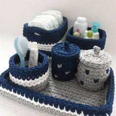 "🍓 Rahatliqla əldə ve mashinda yuyulur, yuyulma prosesi ""HIGHLIGHTS"" bolmesinde gosterilib. Crochet Organizer, Crochet Storage, Baby Hamper, Baby Baskets, Crochet Case, Love Crochet, Crochet Basket Pattern, Crochet Patterns, Baby Kit"