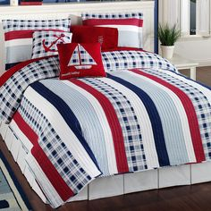 Nautical Bedding Sets | ... nautical stripe quilt bedding set includes a bed quilt and two shams