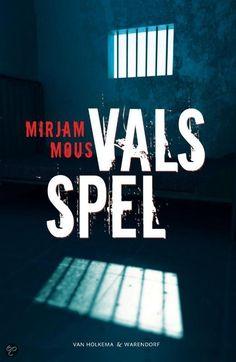 Recensie (★★★★☆) van Mirjam Mous - Vals spel || Van Holkema & Warendorf, 2010 || Fin wordt verdacht van moord. Valerie komt hem vast snel helpen. Hij heeft haar tijdens het backpacken ontmoet en sindsdien zijn ze onafscheidelijk. Ze hoeft alleen maar even tegen de agenten te zeggen dat Fin op het moment van de moord bij haar was en dan laten ze hem vrij. Maar ze komt niet opdagen. || http://www.ikvindlezenleuk.nl/2013/10/mirjam-mous-vals-spel.html