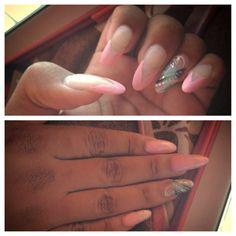 DIY stiletto nail design Oval Nail Art, Oval Nails, Stiletto Nails, How To Do Nails, Claws, Nail Ideas, Nail Designs, Hair Beauty, Nail Polish