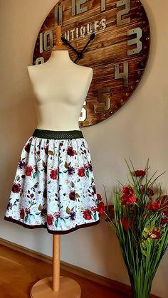 ZuzanaFalk / sukňa ruža granát Waist Skirt, High Waisted Skirt, Skirts, Fashion, Moda, High Waist Skirt, Fashion Styles, Skirt