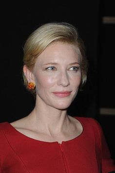 Cate Blanchett Photos - Kate Blanchett attends the Giorgio Armani Prive Haute Couture Fall/Winter 2011/2012 show as part of Paris Fashion Week at Palais de Chaillot on July 5, 2011 in Paris, France. - Cate Blanchett Photos - 5877 of 7816