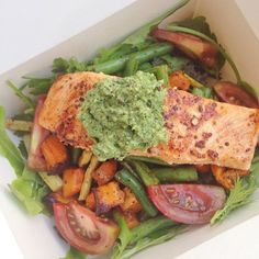 #running #tribesports #ownyourmarks #fitness #runners Post #training with @exerceotraining.co.uk lunch - all #seasonal produce from @farmdrop with amazing leaves from @cultiv8london which were from last weeks delivery but so fresh that they last the week unlike supermarket leaves mixed beans Kumata tomatoes & squash with mustard salmon with home-made cheese-free pesto. Tasted great because of the freshness of the produce. Nooroa the trainer loved it. Go train with him. Suspect I will hurt…