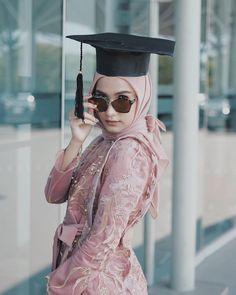 63 Ideas Dress Hijab Brokat Remaja For 2019 Kebaya Modern Hijab, Kebaya Hijab, Kebaya Brokat, Kebaya Dress, Kebaya Muslim, Muslim Hijab, Hijab Dress, Linen Dress Pattern, Model Kebaya