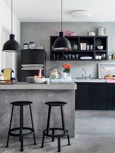 Essa cor, e esses pendentes na cozinha ficaram demais!!! Na Construcon você encontra tintas e pendentes. Confira! http://construcon.net.br/