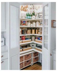 Corner Pantry Organization, Corner Kitchen Pantry, Kitchen Pantry Design, Kitchen Pantry Cabinets, Diy Kitchen, Kitchen Decor, Pantry Ideas, Corner Pantry Cabinet, Kitchen Ideas