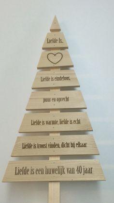 Speciaal gemaakt voor 40 jarig huwelijk Wilt u ook een eigen wens' boom'? Voor informatie info@laserenmeer.nl