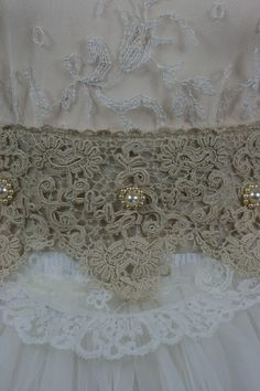 PACK 5 CREAM LACE RUFFLES EMBELLISHMENTS FOR CARDS OR CRAFTS